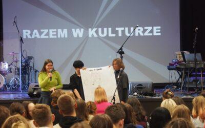 """Młodzieżowe forum językowe """"Język a nowe media"""""""